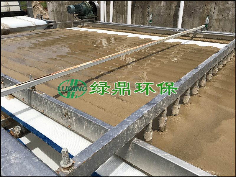 沙场泥浆处理:重型分体污泥脱水机处理案例效果(梅州)